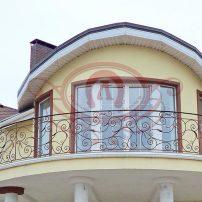 Кованое ограждените балкона