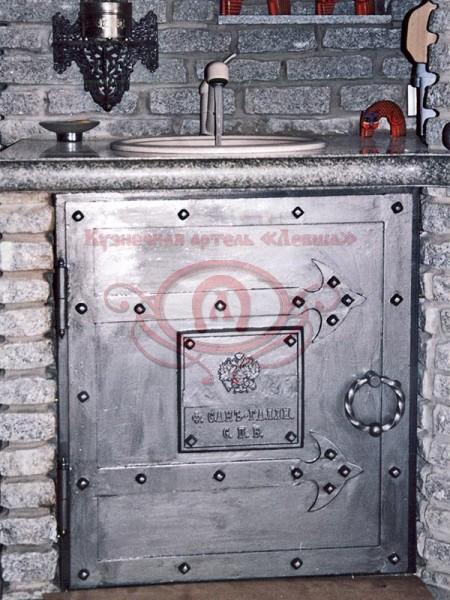 Кованые накладки — петли на дверь
