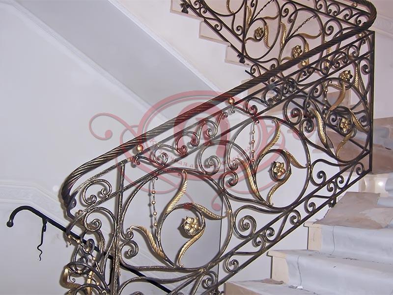 Кованое ограждение лестницы