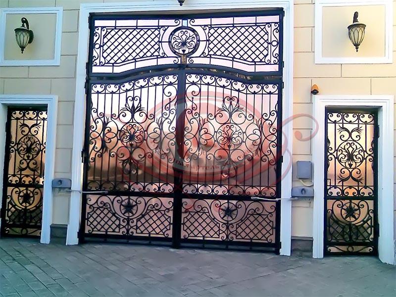 Распашные ворота с медным листом (Симеиз)