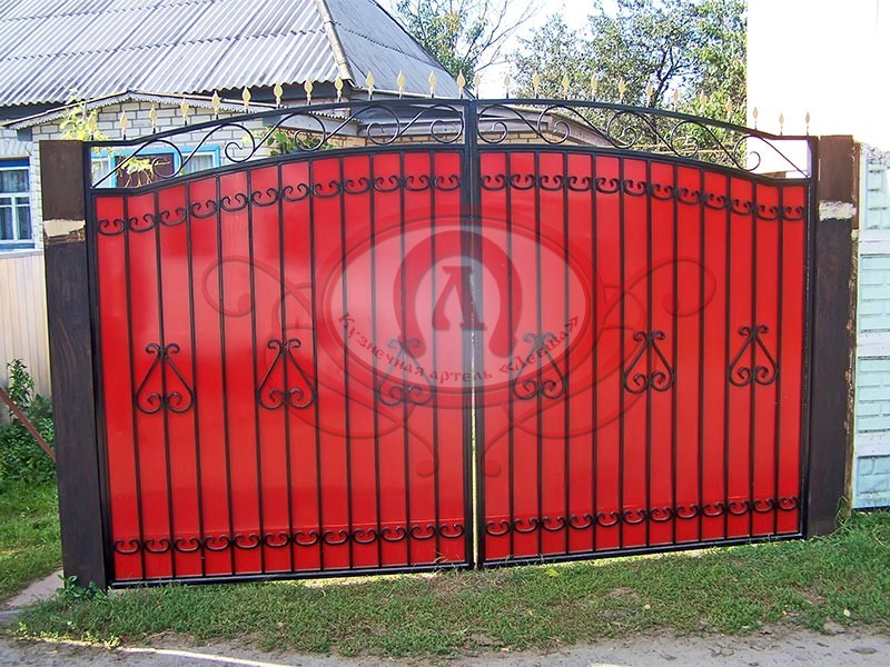 Распашные ворота с профнастилом