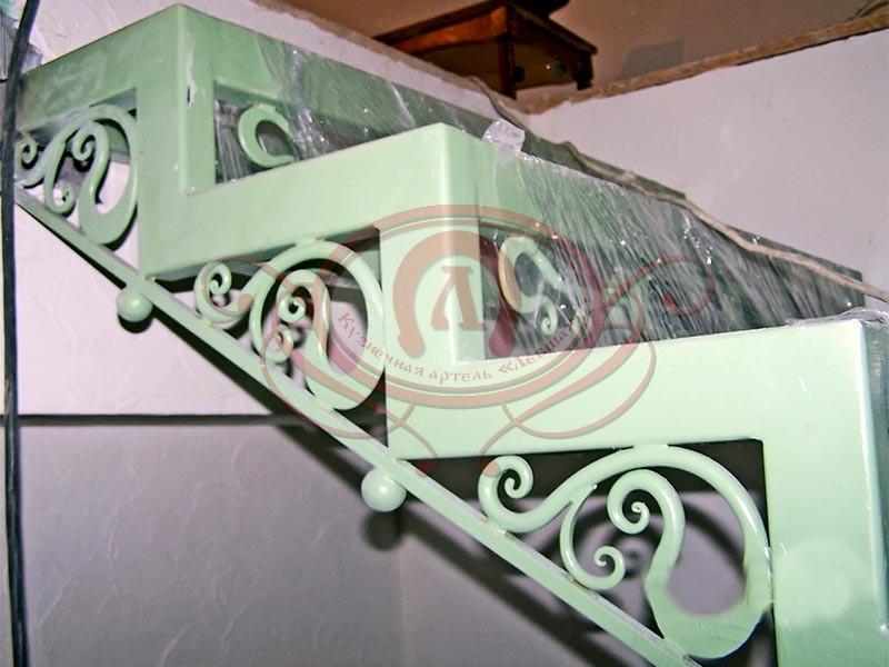 Металлокаркас лестницы с ковкой