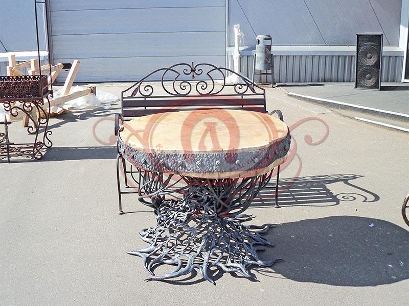 Дубовый кованый стол
