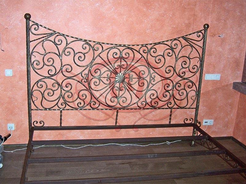 Быльца кровати